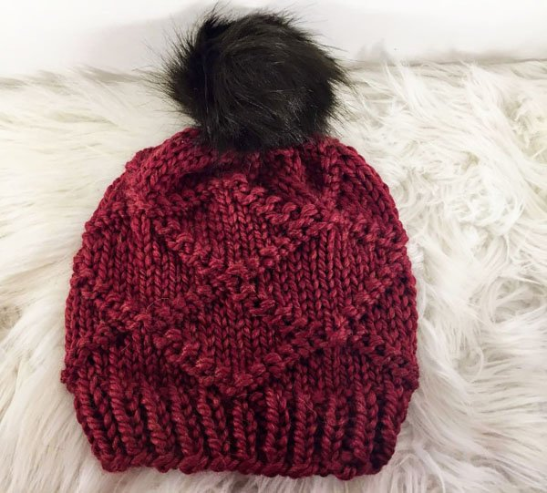 THE DIAMOND KNIT HAT RED