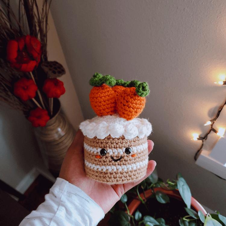 crochet carrot cake amigurumi