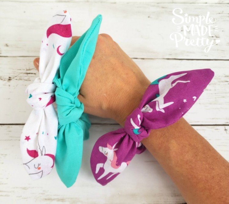 HOW TO MAKE SCRUNCHIES WITH A CRICUT MACHINE