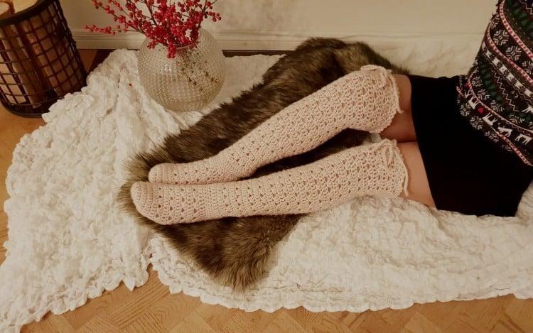 Knee high crochet socks pattern
