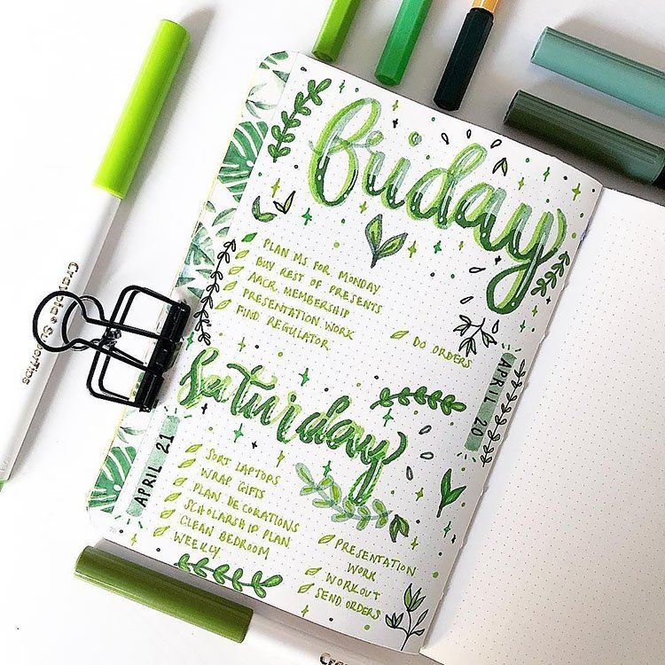 GREEN WEEKLY PLANNER
