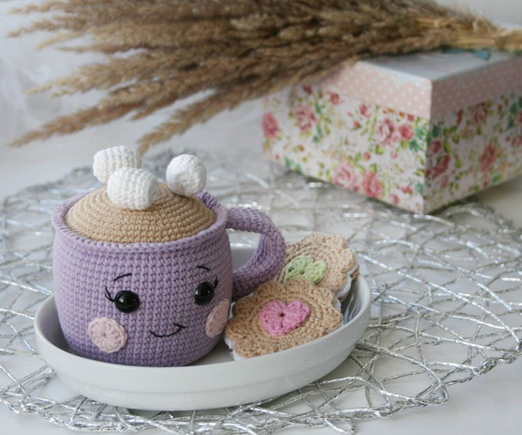 CROCHETED CUP