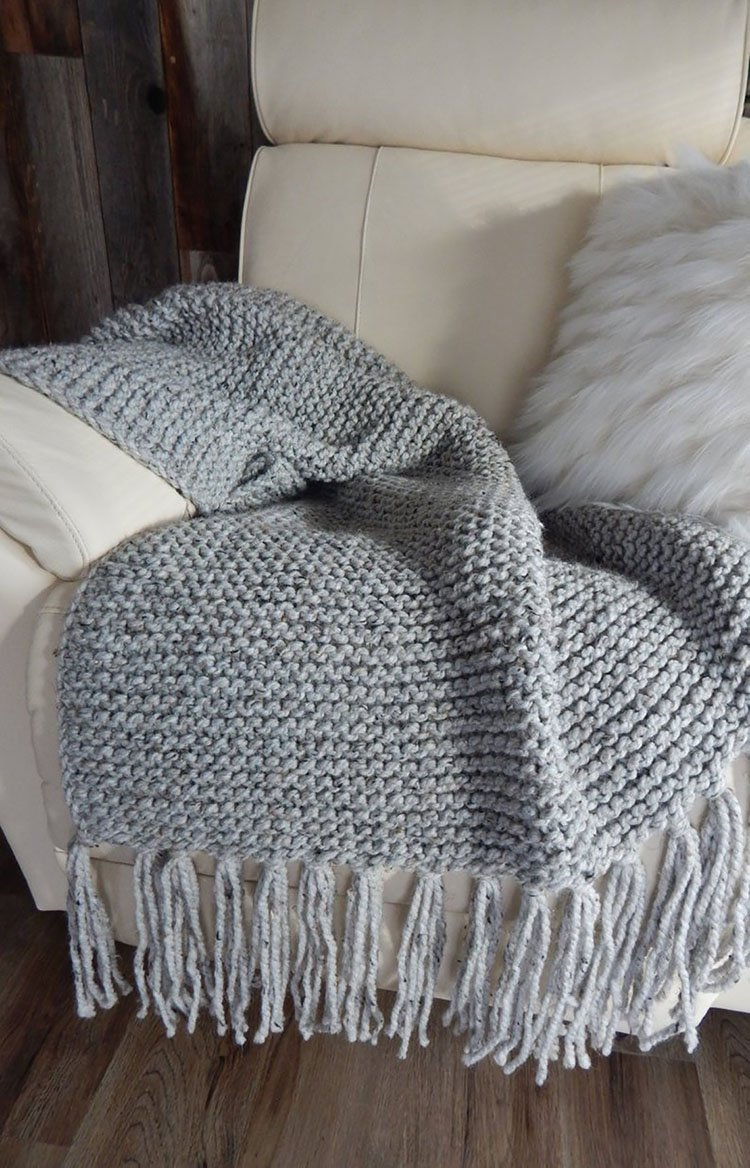 15 Chunky Knit Blanket Patterns - Beautiful Dawn Designs