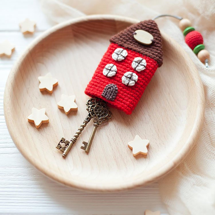TINY HOUSE KEY HOLDER