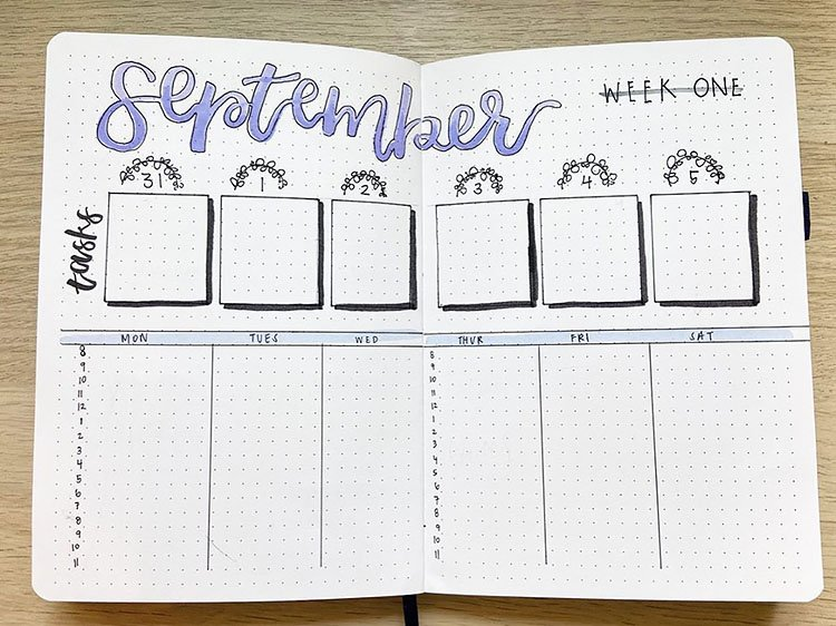 WEEKLY PLANNER WITH HOURLY SCHEDULE