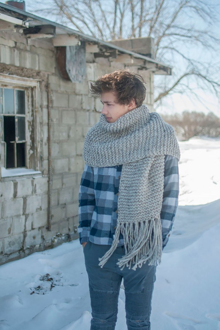 OPEN-ENDED SCARF