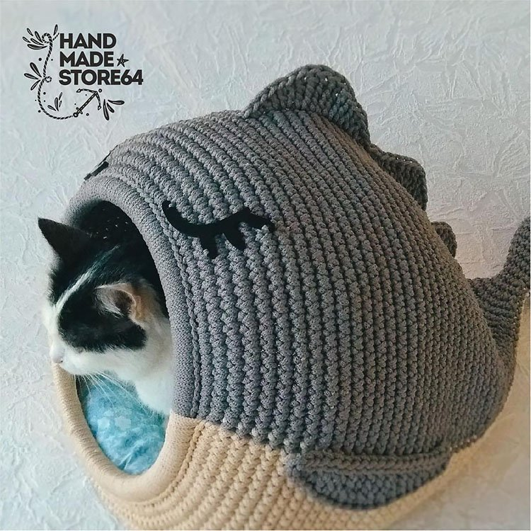 WHALE CAT CAVE