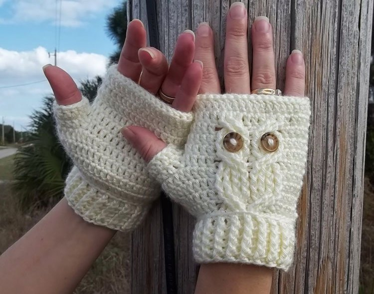 IT'S A HOOT TEXTING GLOVES