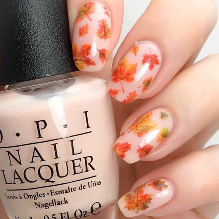 leaves on nude nails