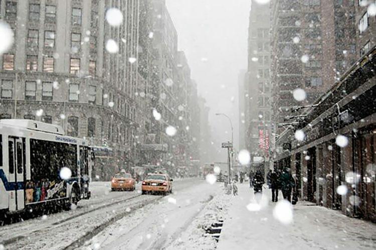 SNOW DOWNTOWN CITY