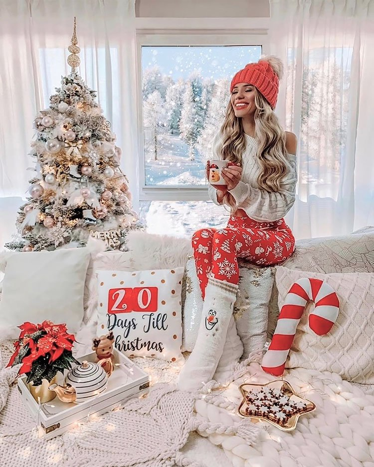 WOMAN POSING FOR HOLIDAY PHOTO
