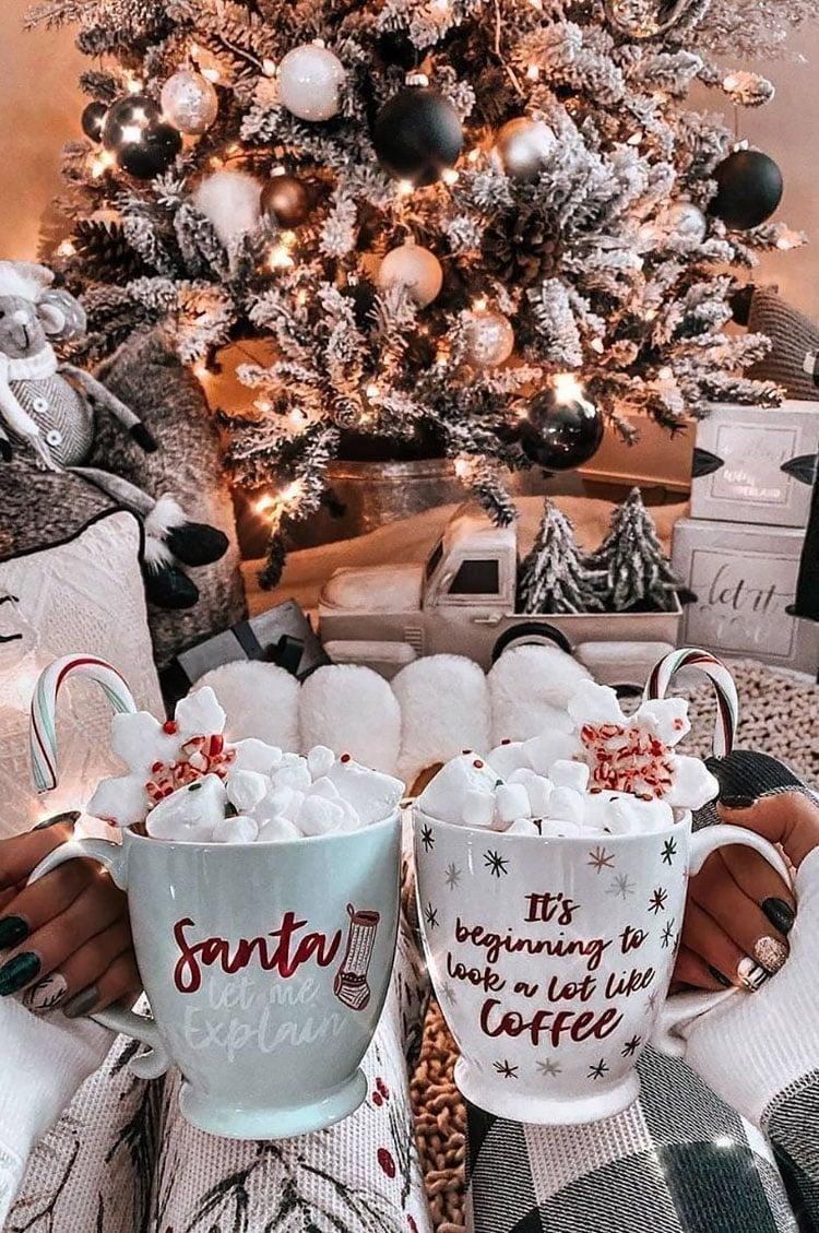 BLACK ORNAMENTS ON CHRISTMAS TREE