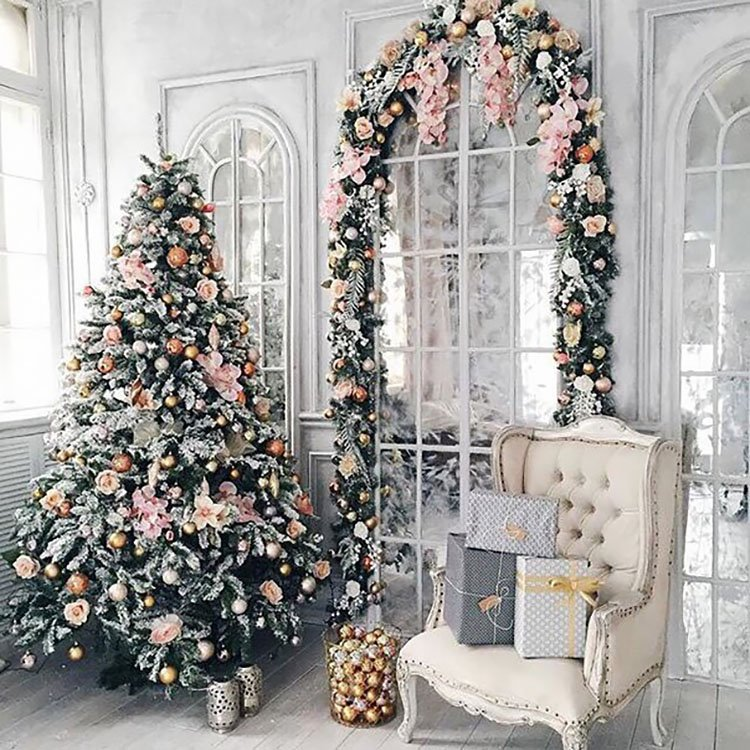 CHRISTMAS TREE WITH SOFT PINK THEME