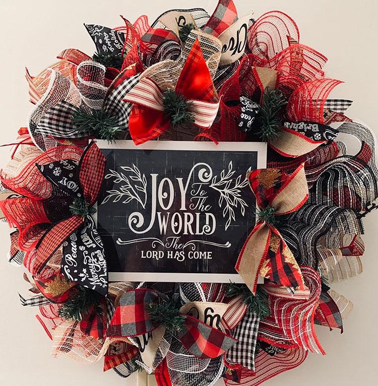 JOY TO THE WORLD CHRISTMAS WREATH