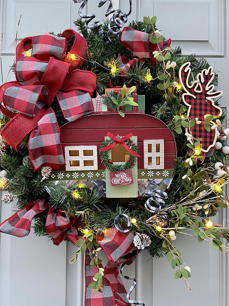 RV CHRISTMAS WREATH