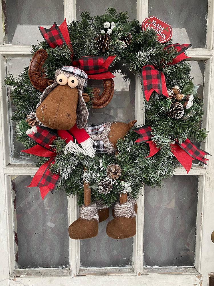CHRISTMAS MOOSE WREATH