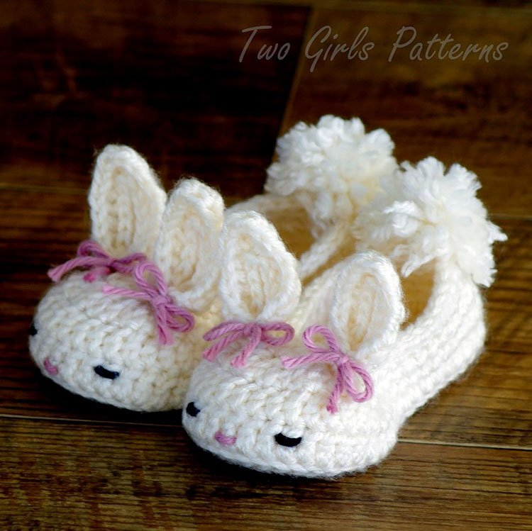 BUNNY HOUSE SLIPPERS
