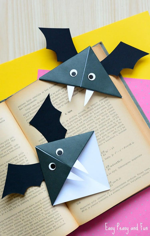 DIY CORNER BAT BOOKMARK
