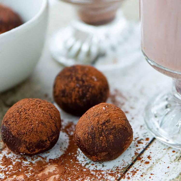 COCOA POWDER HOT CHOCOLATE BOMBS