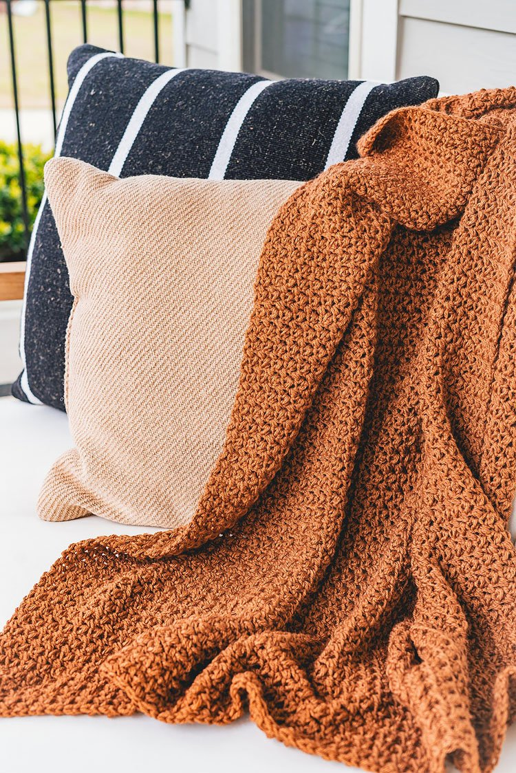 OLD FASHIONED THROW BLANKET
