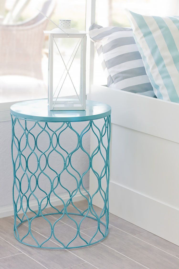 DIY SPRAY PAINTED BASKET TABLE