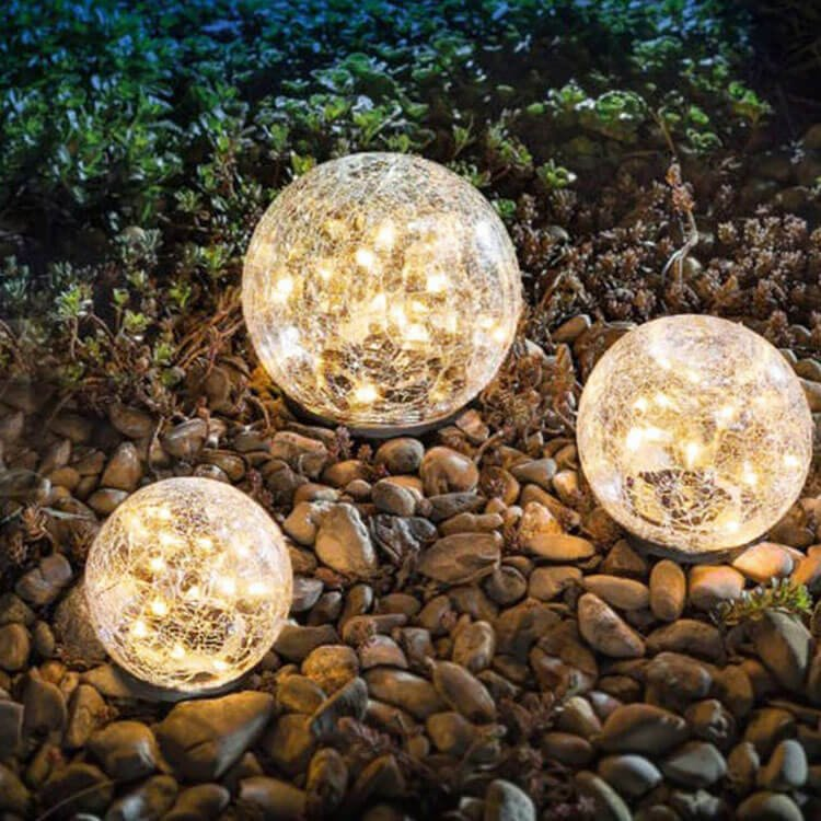 CRACKED GLASS GLOBES