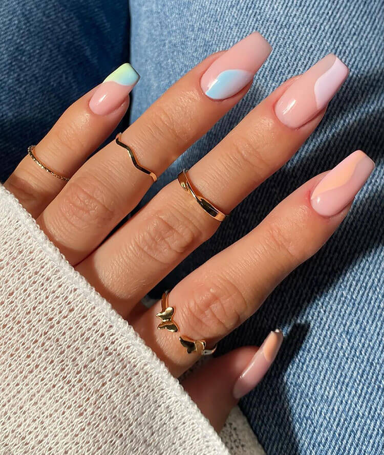 nails painted in corner