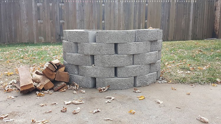 THE EASIEST WAY TO BUILD YOUR OWN FIRE PIT