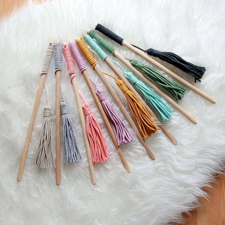 SIMPLE CAT TEASER WAND WITH FRINGES