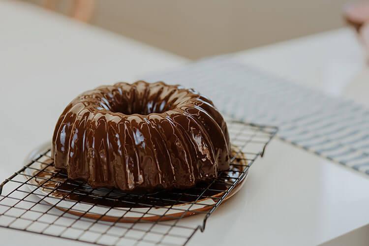 5-Ingredient Chocolate Cake