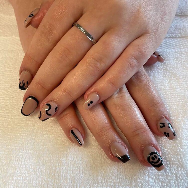 happy face nails