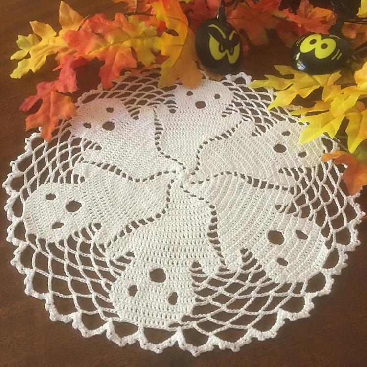 crochet halloween doily