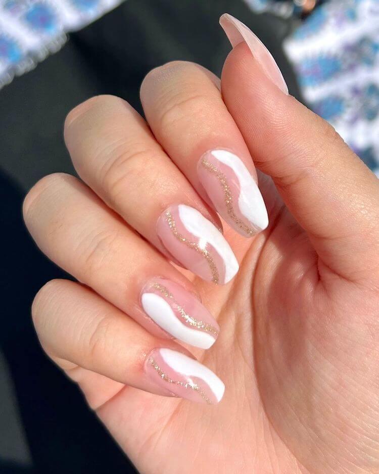 simple swirl nails
